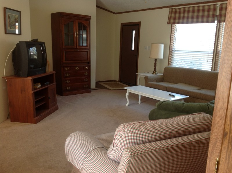 Cabin B Living Room
