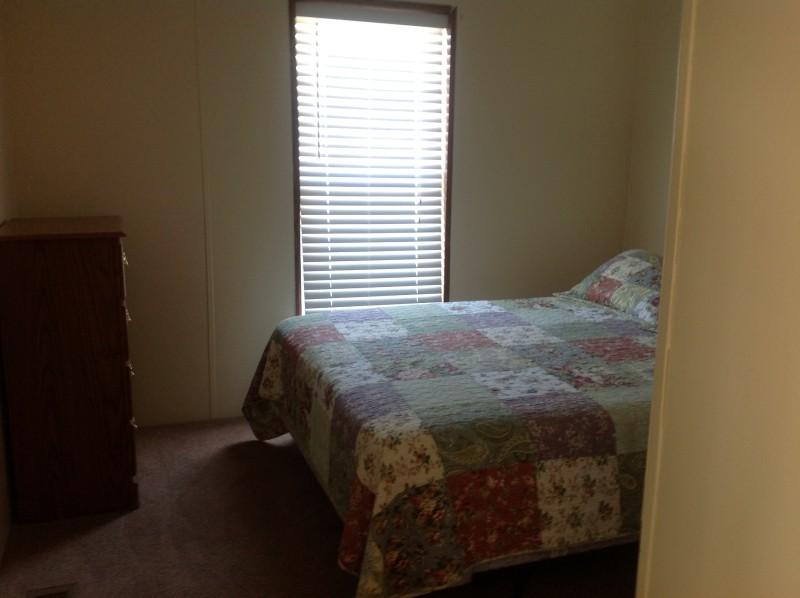Cabin B Queen Bedroom
