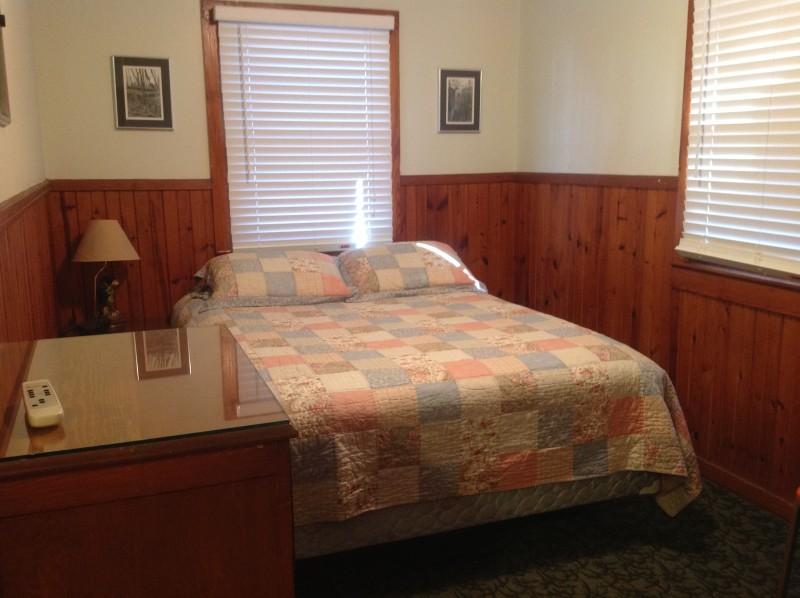 One bedroom cabin bedroom